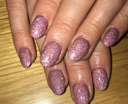 Nails pink glitter