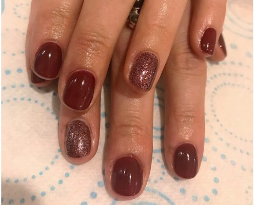 Nails red glitter